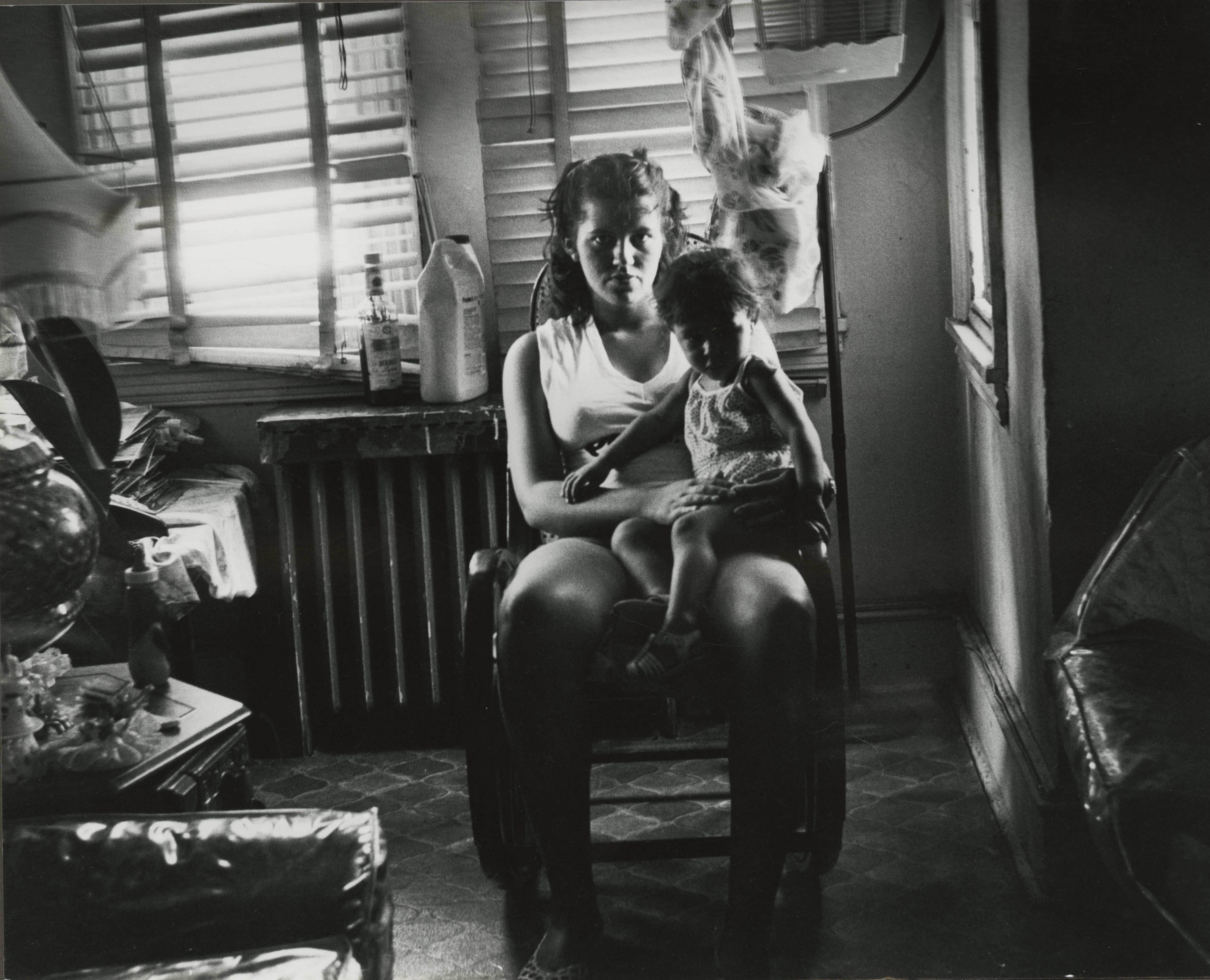 Madre e hijo Puertorriqueños sufren económicamente